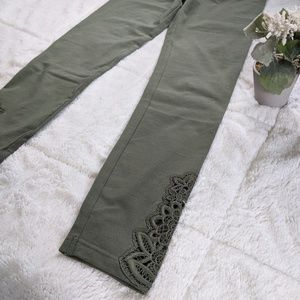 NWT Green lace aerie leggings